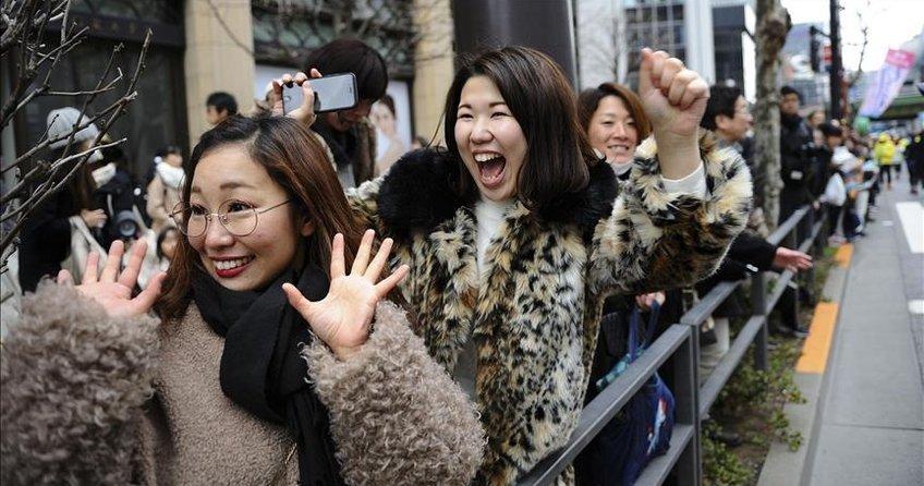 Japonya'da reşit olma yaşı 20'den 18'e indiriliyor