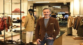 Marco Baldassari: İtalyan erkeklerinin zamansız tarzını yaygınlaştırıyor