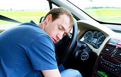 Direksiyonda uykusuzluk, alkol ve uyuşturucu kadar tehlikeli!