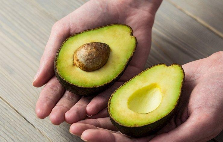 Evinizde bulunması gereken 12 yiyecekle vücudunuzda biriken toksinleri kolayca atacak; sağlıklı yaşama ulaşacaksınız.