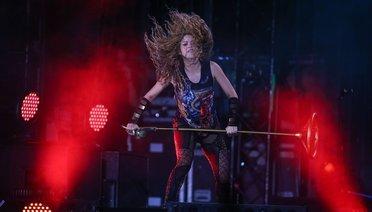 Ünlü Şarkıcılar Shakira Konserine Akın Etti!
