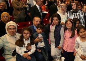 Cumhurbaşkanı Erdoğan'a çocuklardan yoğun ilgi!