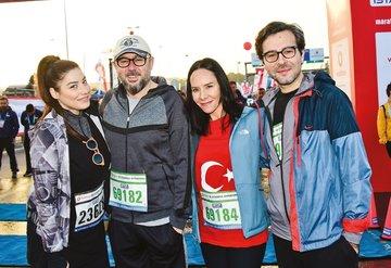 Vodafone İstanbul Maratonu'nda yüzbinler sağlık için koştu