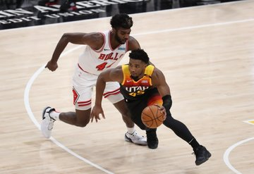 NBA lideri Jazz Magic maçını farklı kazandı