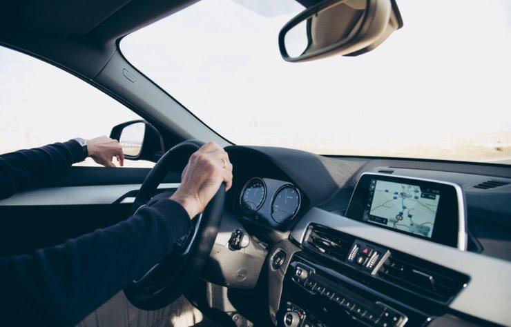 Aracınızın rutin kontrollerini yaptırmak ve gerekiyorsa değişimlerin yapılması gerekir. Her aracın bakımları farklı olsa da genel olarak her arabada yapılması gerekenler vardır. İşte periyodik araç bakımına dair bilgiler…