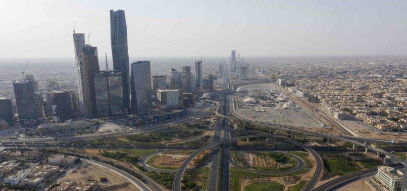 SAUDI ARABIA SEES 17 NEW VIRUS DEATHS, 1,581 MORE CASES