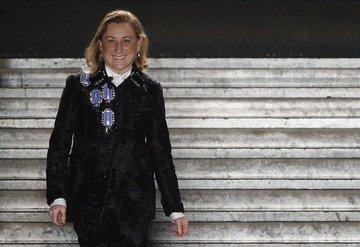 Miuccia Prada ve ekibi hassasiyet eğitimi alacak