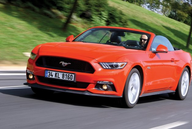 TEST · Ford Mustang Convertible 5.0