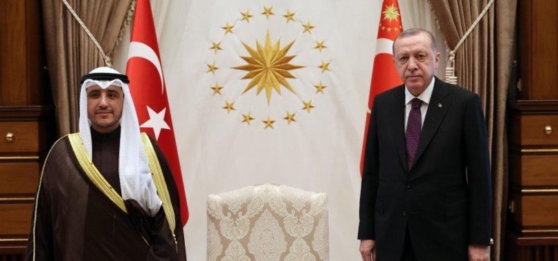 TURKISH PRESIDENT MEETS KUWAITI FOREIGN MINISTER