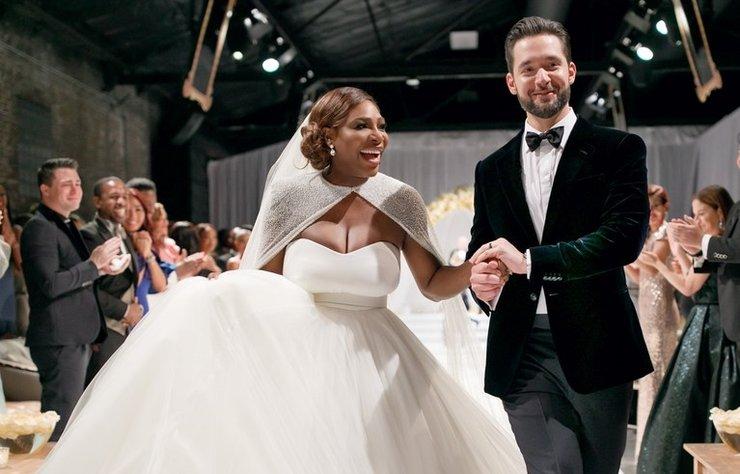 Ünlü tenisçi Serena Williams ile geçtiğimiz yıl dünyaevine giren Alexis Ohanian, evlilik yıl dönümlerini sevimli bir paylaşım ile kutladı.