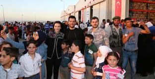 Turkish actor Murat Yıldırım attends iftar in Syria held by Turkish aid agencies