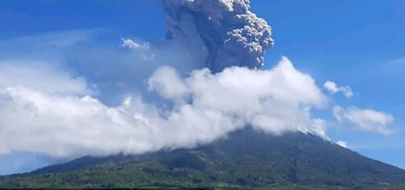 THOUSANDS FLEE AS ACTIVITY IN INDONESIAN VOLCANOES INCREASES