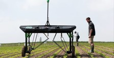 Robots fight weeds in challenge to agrochemical giants