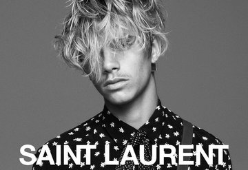 Romeo Beckham Saint Laurent İçin Poz Verdi