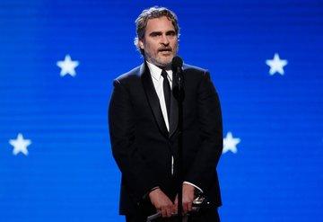 Joaquin Phoenix neden göz altına alındı?