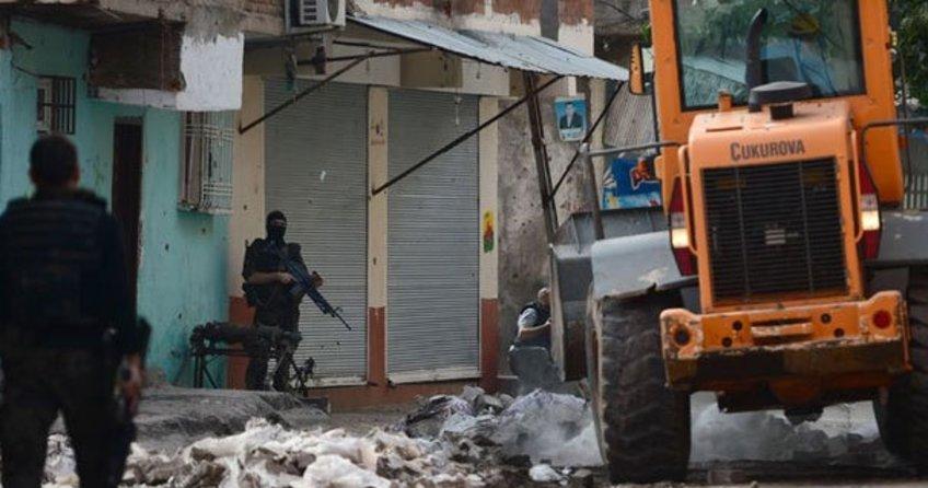 Diyabakır'da çatışma: Saldırı hazırlığındaki terörist öldürüldü