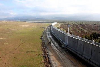 Suriye sınırına Türk Seddi
