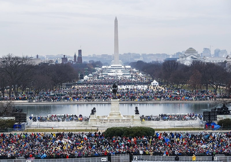 Crowds gather on the Washington Mall between the US Capitol and the Washington Monument about two hours before Donald J. Trump is sworn in as the 45th President of the United States in Washington, DC, USA, Jan. 20, 2017. (EPA Photo)
