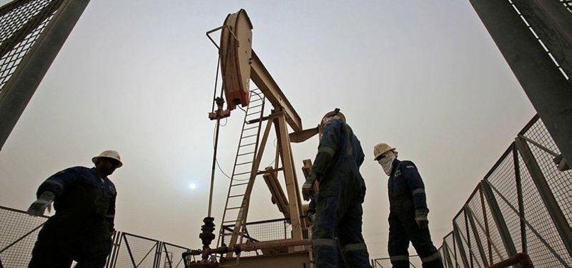 US SAYS OIL OUTPUT TO BEAT SAUDI ARABIA, RUSSIA IN 2019