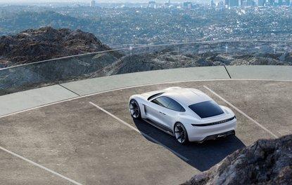 Porsche Taycan resmen tanıtıldı