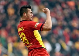 Göztepe'nin Makedon yıldızı Adis Jahovic golleriyle tarih yazdı