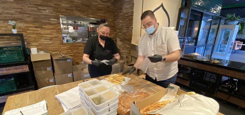 TURKS IN NETHERLANDS DISTRIBUTE FOOD DURING RAMADAN