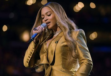 Beyonce'den Kobe Braynt için muhteşem performans