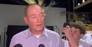 NBA star Simmons pays tribute to Egg Boy
