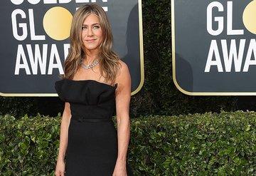 Jennifer Anistondan maske takmayanlara sert tepki!