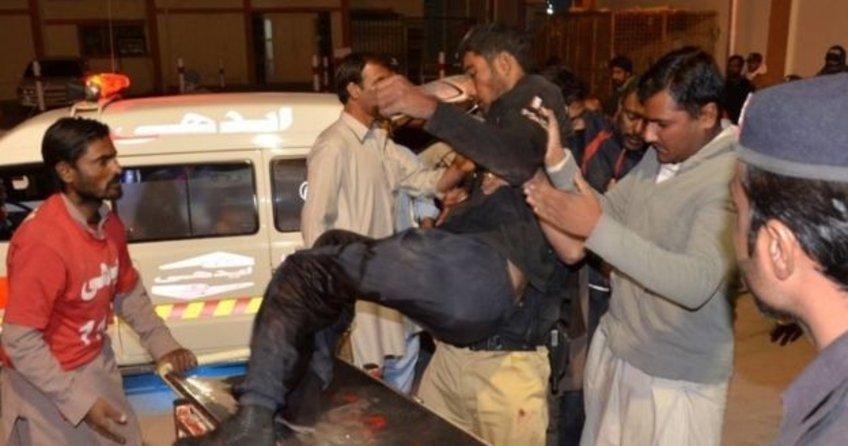 Pakistan'da polis okuluna saldırı: 60 ölü