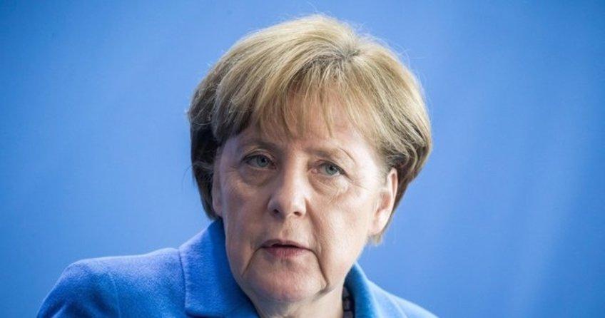 Angela Merkel: Türkiye ile görüşmelerin kesilmesini istemiyoruz