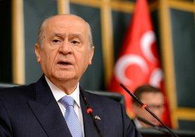 Bahçeli'den Başbakan'ın Bozkurt işaretine ilk yorum geldi!