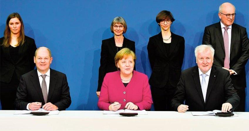 Merkel: Türkiye ile iletişim kanalları açık olmalı