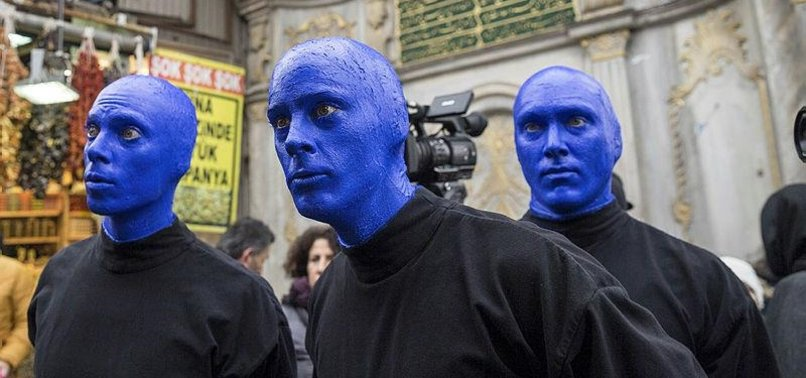 BLUE MAN GROUP DRAWS ATTENTION IN ISTANBUL