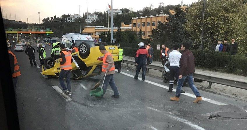 15 Temmuz Şehitler Köprüsü'nde taksi takla attı bir kişi yaralandı