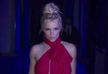 Britney Spearstan Belgesellerine Eleştiri