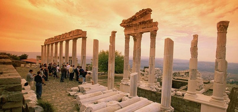 REPORT CALLS FOR FREE VISIT OF MUSEUMS, ANCIENT SITES IN TURKEY