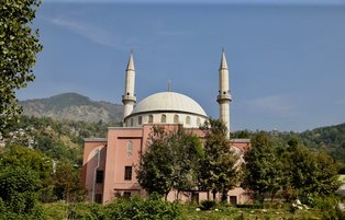 Ottoman-style mosque allures visitors in Azad Kashmir capital