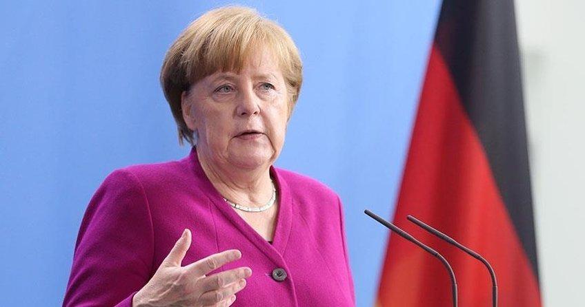 Angela Merkel: Suriye sorunu bölge ülkeleri ve Avrupa olmadan çözülemez