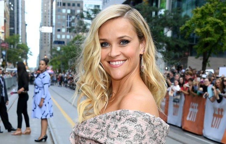 Reese Witherspoon, kendisine ikizi kadar benzeyen dublörünü hayranlarıyla tanıştırdı.