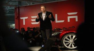 Elon Muskın Teslası uçan otomobil üretebilir