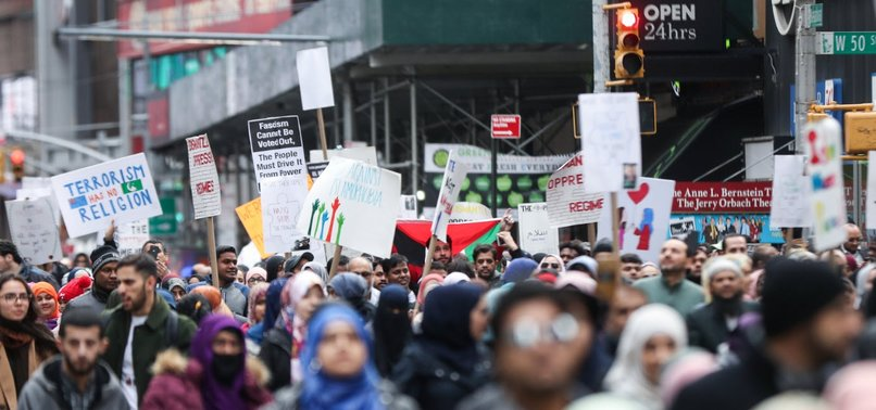 MUSLIMS, CHRISTIANS, JEWS STAND UNITED AGAINST HATE AT TIMES SQUARE RALLY