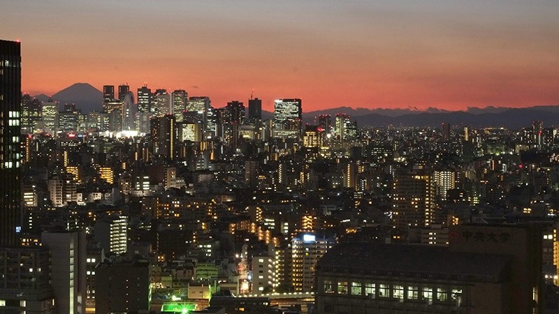 A view of Tokyo during sunset on Jan. 4, 2017. (AFP Photo)