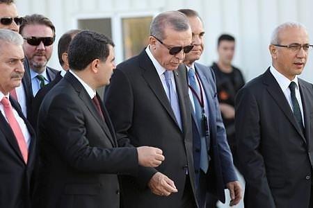 Cumhurbaşkanı Erdoğan dev projeleri havadan izledi