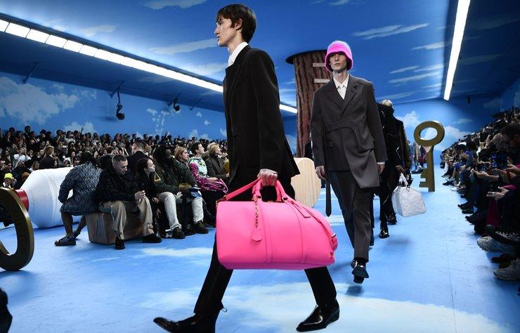 Virgil Abloh imzalı Louis Vuitton Erkek Sonbahar/Kış 2020-2021 koleksiyonu Paris'te tanıtıldı.