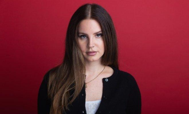 Lana Del Rey Şiir Kitabını Yayınladı