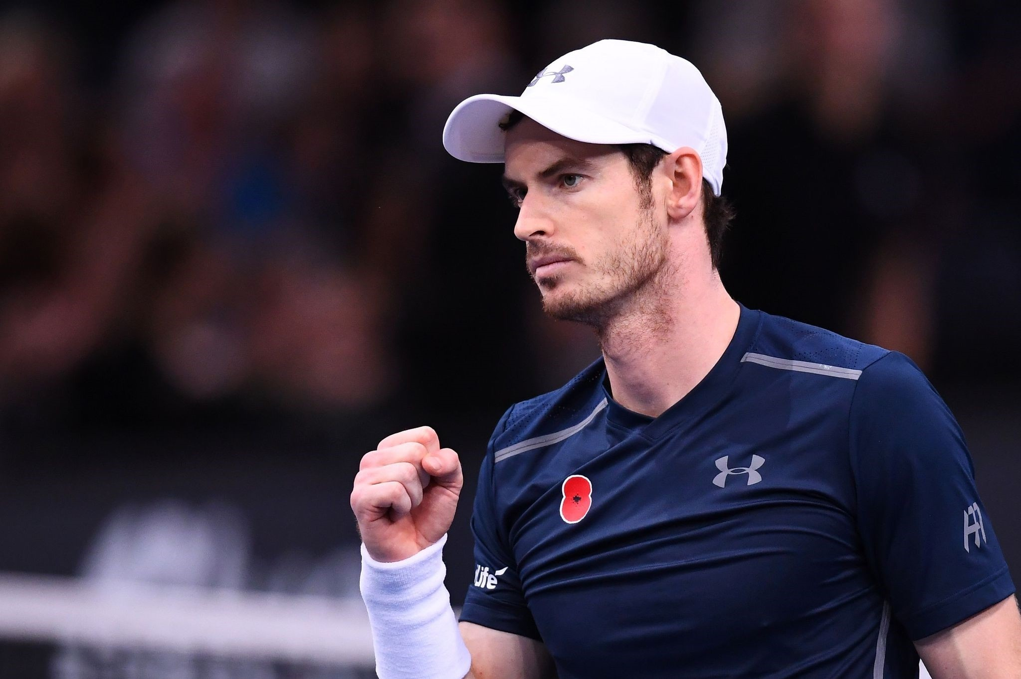 Murray celebrates after winning his quarter-final tennis match against Tomas Berdych at the ATP World Tour Masters 1000 indoor tournament in Paris on Nov. 4, 2016. (AFP Photo)