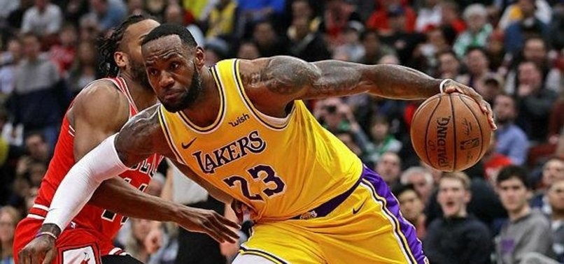 JAMES SCORES 36, LAKERS END 5-GAME SKID BY BEATING BULLS