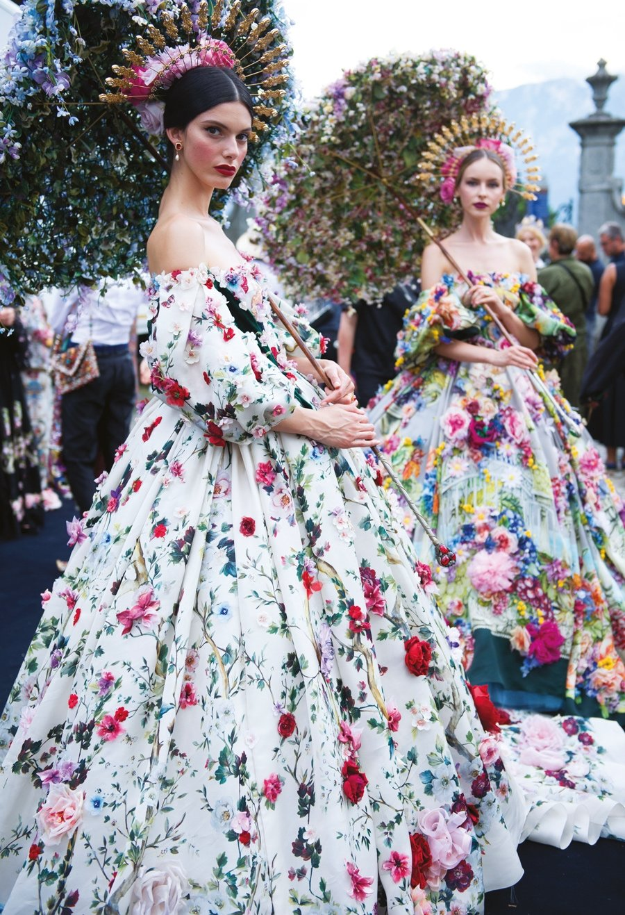 a54b22e182ed9 Dolce & Gabbana Alta Moda - HarpersBazaar