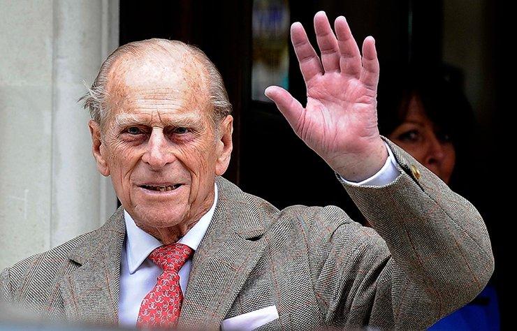 İngiltere Kraliçesi II. Elizabeth'in eşi Edinburgh Dükü Prens Philip'in hayatını kaybetmesinin ardından ülke genelinde 2 haftalık yas devam ederken, Prens Philip için bugün gerçekleştirilecek cenaze törenine ilişkin hazırlıklar devam ediyor.
